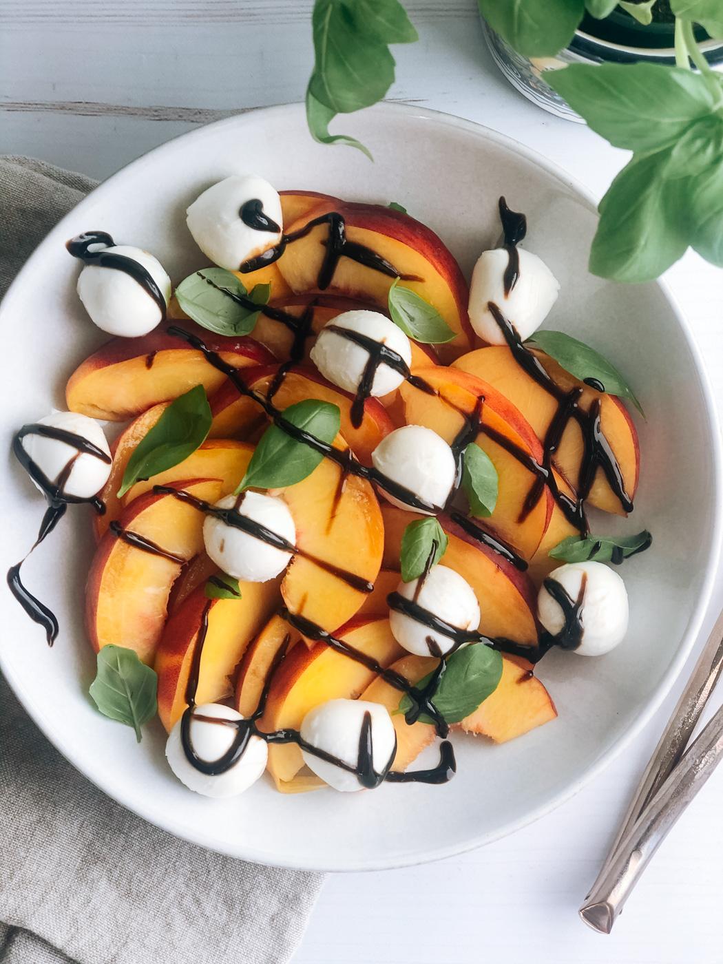 Simple Peach Caprese Salad Recipe