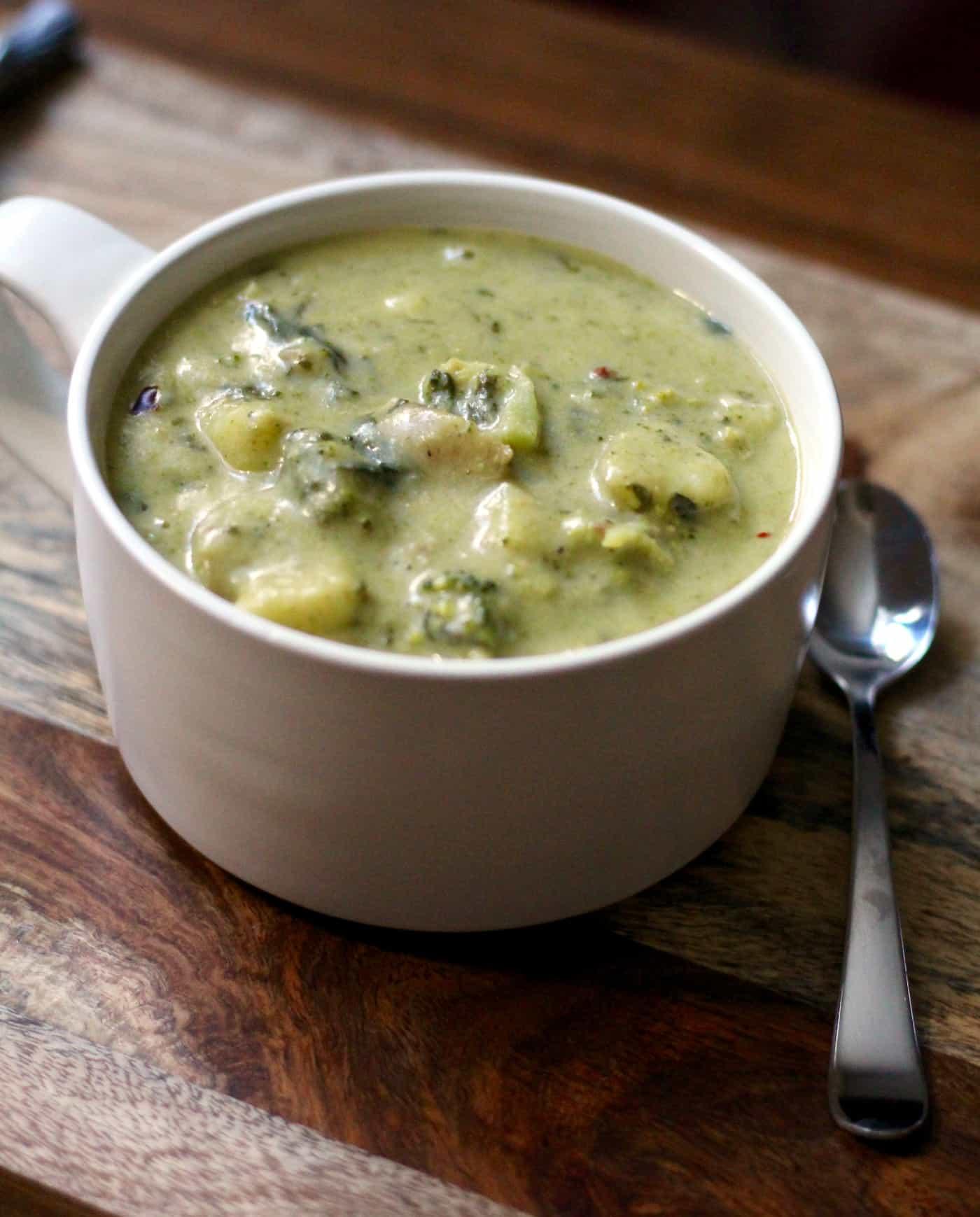 Healthy Cheesy Broccoli Potato Soup