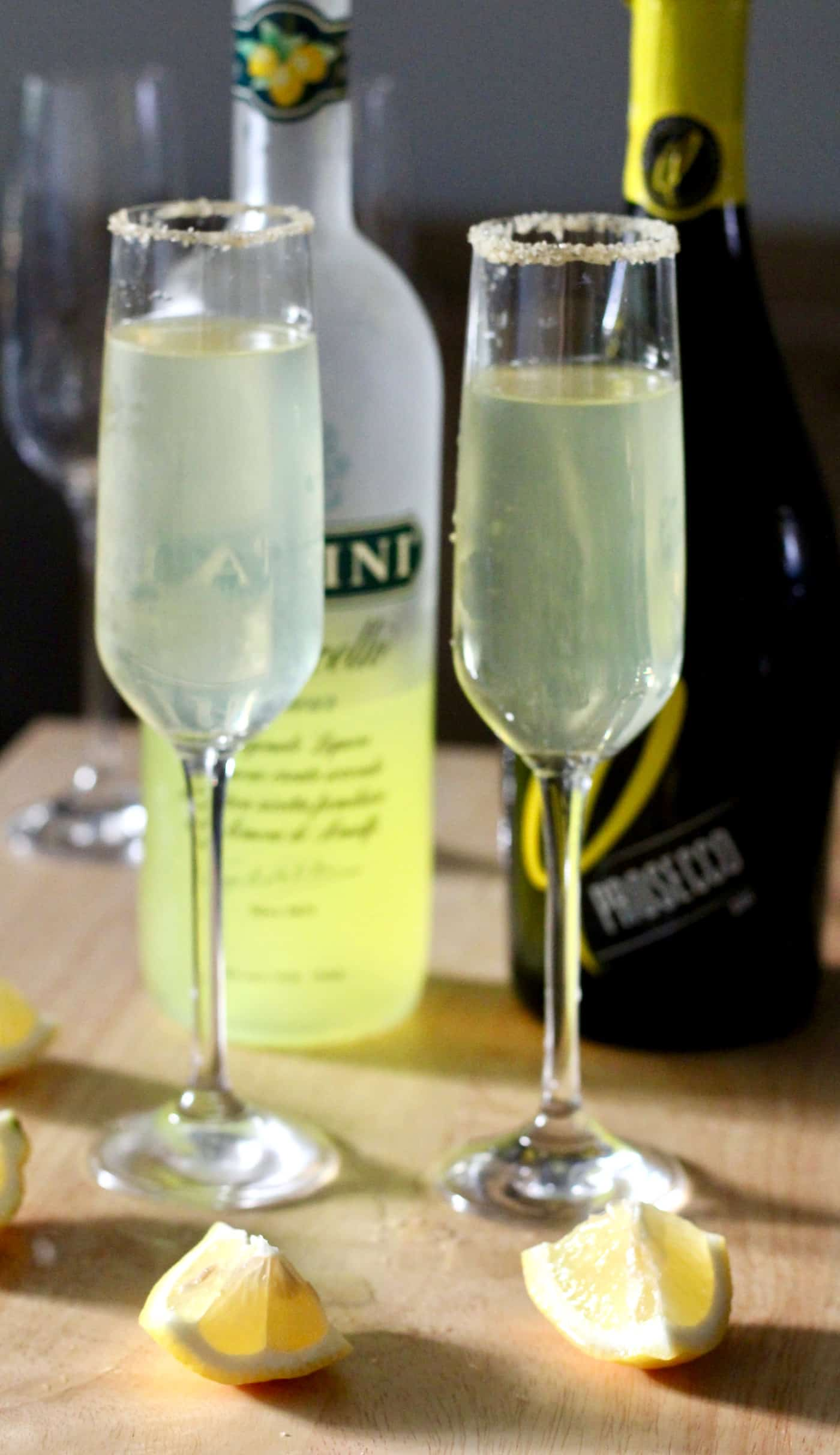 Limoncello Prosecco with Vanilla Bean Sugar Rim