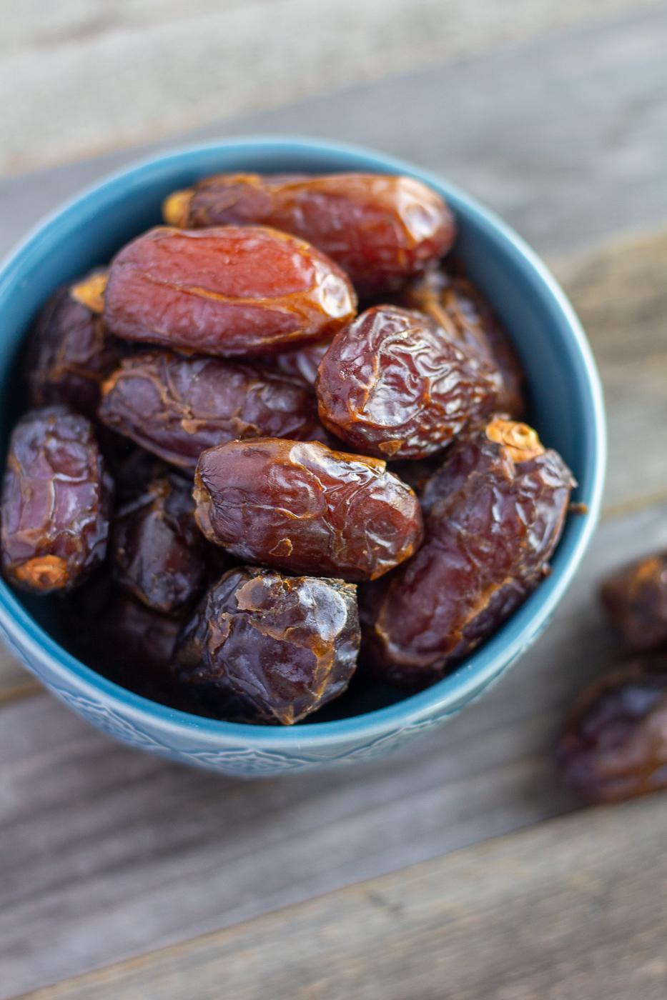 Meet Your Ingredients: Dates